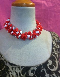 Vintage 50s Red  And White LUCITE Necklace CHUNKY by Flipsville