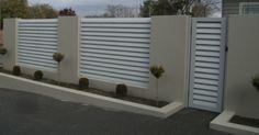 14 Astounding Contemporary Garden Fencing Ideas – How To Build a Fence Contemporary Garden, Fence Design, Fence Decor, Front Yard, Fence Lighting, Fence Gate Design