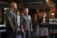 """""""Glasnost"""" -- Pictured: LL COOL J (Special Agent Sam Hanna), Chris O'Donnell (Special Agent G. Callen) and Renée Felice Smith (Intelligence Analyst Nell Jones). After Callen's father, Garrison (Daniel J. Travanti) is found in an NCIS patient's hospital room during a radiation poisoning case, Callen must take him to the boatshed for interrogation. Also, the team discusses their Thanksgiving plans, on NCIS: LOS ANGELES, Sunday, Nov. 20 (8:30-9:30 PM, ET/8:00-9:00 PM, PT), on the CBS…"""