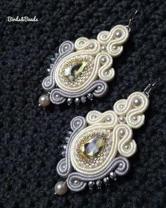 Shared from Pinster Soutache Earrings, Ring Earrings, Shibori, Silk Ribbon, Gossip Girl, Beaded Embroidery, Jewerly, Brooch, Diy Jewelry