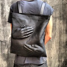 Ready for a surreal backpack? Designer Konstantin Kofta (previously) knows how to transform the classic school kid accessory into a surrealist piece of art. Leather Wallet, Leather Bag, Novelty Bags, Unique Bags, Leather Working, Leather Craft, Fashion Bags, Style Fashion, Bag Accessories