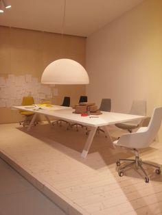 CROSS table designed by Fattorini + Rizzini + Partners for Arper.