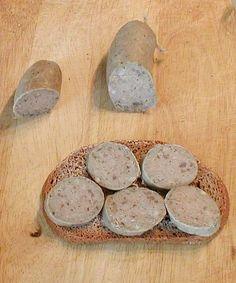 Selbst gemachte Leberwurst auf Brot
