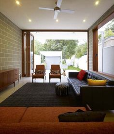 Architecturally Differentiated Home in an Urban Neighbourhood: The Camperdown House