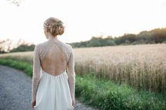 A KISS OF PEACH, hair, flowers, bride, bridesdress - Hellbunt Events Peach Hair, Hair Flowers, Bunt, Backless, Kiss, Events, Bride, Wedding, Dresses