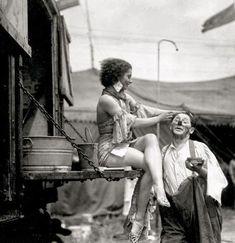 Vintage Clothing, 1920s, 1930s, 1940s, 1950s, Rockabilly, Swing, Mad Men, Vintage Photography, Vintage Bride, Flapper, Art Deco