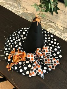 As many of you already know, I absolutely love browsing the Dollar Tree in search of unusual items to use for crafting. Many of my fun crafts can be seen on my… Halloween Witch Hat, Witch Hats, Halloween Season, Fall Halloween, Halloween Parties, Fall Crafts, Diy Crafts, Decoration Crafts, Vintage Milk Can