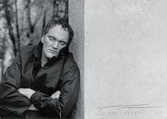 Quentin Tarantino near the grave of Boris Pasternak