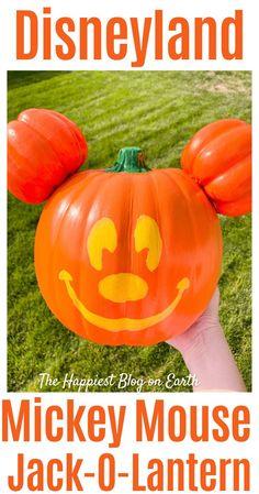 DIY #Disneyland Mickey pumpkin. Make the famous Disneyland Mickey Jack-O-Lantern from Main Street to keep at home. Easy instructions, anyone can do it! #Halloweencraft