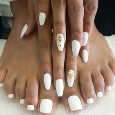 Elegant nails toes☻