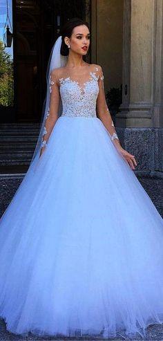 Wedding Dress Ball Gown ball gown bridal dresses 5 More - Look at the different kinds of ball gown wedding dresses.You'll find bridal dresses made from different fabrics, necklines and with variety amazing details. Princess Wedding Dresses, Long Wedding Dresses, Designer Wedding Dresses, Bridal Dresses, Bridesmaid Dresses, Gown Wedding, Tulle Wedding, Mermaid Wedding, Disney Wedding Gowns