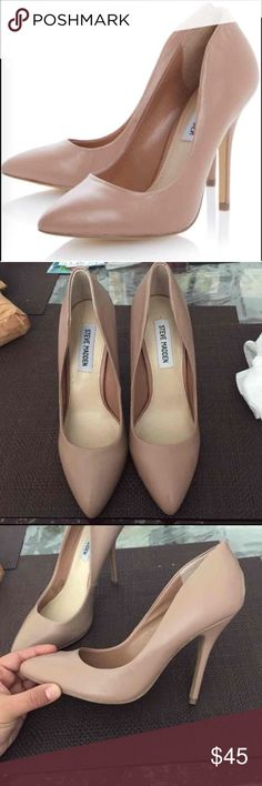 Steve Madden heels Never been worn only tried on, the color is just like on the pictures, is like a nude but a slight pinkish touch Steve Madden Shoes Heels