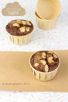Muffin light al cacao e nocciole by il gatto goloso, via Flickr