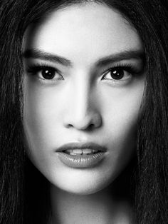 Sui He for balck and white close-up photo