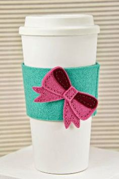 Mangas de la taza hecha a mano sintió acogedor por HandmadeinFelt