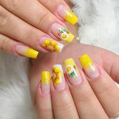 Em Nails, Luxury Nails, Flower Nails, Nail Inspo, Pink Hair, Pedicure, Nail Designs, Nail Art, Beauty