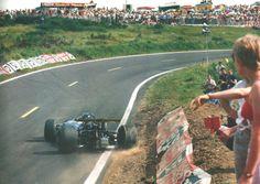 Jacky Ickx, Brabham BT26, 1969 French GP [1599x1135] - Imgur