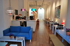Cosmo Cafe Galeria de arte. C/ Enric Granados 3