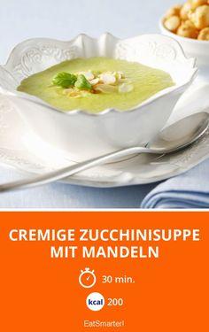 Cremige Zucchinisuppe mit Mandeln - smarter - Kalorien: 200 Kcal - Zeit: 30 Min. | eatsmarter.de