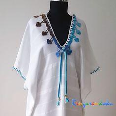 Rengarenkoku: Beyaz bambu peştemal elbise.Lütfen fiyat bilgisi ve siparişleriniz için rengarenkoku@gmail.com adresine e- posta yollayınız.instagram adresimizden ya da  facebook sayfamızdan tasarımlarımızı izleyebilir, mesaj yollayabilirsiniz. Beachwear For Women, Beach Covers, Crochet Clothes, Kaftan, Boho Fashion, Tee Shirts, Kimono, Tunic Tops, Fabrics