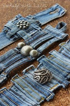 Upcycled Jewelry: Denim belt loops by Vinta . Upcycled Jewelry: Vintage denim belt loops with laces Artisanats Denim, Denim Belt, Denim Fabric, Denim Rug, Denim Quilts, Denim Purse, Textile Jewelry, Fabric Jewelry, Bracelet Denim