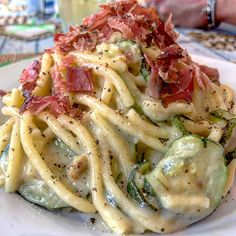 How do you make authentic Italian pasta? Pasta is the staple of traditional Italian cuisine and was first introduced to Sicily in It is made fro Cuisines Diy, Italian Pasta, Pasta Dishes, My Favorite Food, Pasta Recipes, Italian Recipes, Good Food, Food Porn, Food And Drink