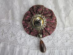 Vintage YoYo Brooch  Vintage jewelry  by TrinketFullOfJewels, $4.00 #vintage clothing #old school #dorm #accessories # old yoyo #brooch #vintage brooch #vintage jewelry