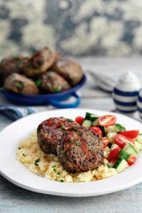 Try this delicious, low fat Slimming World recipe for Curried lentil burgers