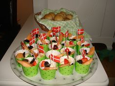 Cute Food, Sushi, Picnic, Birthdays, Birthday Parties, Dining, Cake, Ethnic Recipes, Party