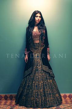 Lattice Garden C34 Shop now at http://www.tenadurrani.com/lattice-garden-jacket For queries, orders and appointments kindly email at info@tenadurrani.com or contact +92 321232 4600. Visit www.tenadurrani.com to view the whole collection.