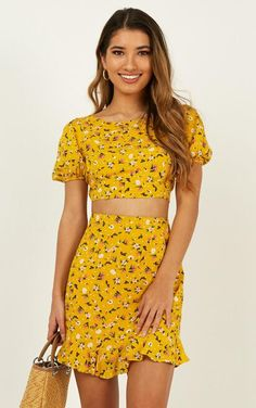 Complete your look with the Summer Girl Two Piece Set In Mustard Floral from Showpo! Buy now, wear tomorrow with easy returns available. Modest Summer Outfits, Casual Outfits For Teens, Going Out Outfits, Pretty Outfits, Fall Outfits, Casual Dresses, Cute Outfits, Fashion Outfits, Summer Dresses