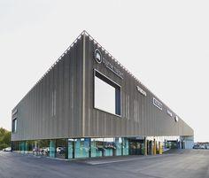 Automotive Showroom in Herning / KRADS