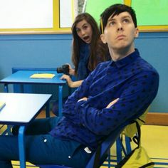 here's @AmazingPhil looking blue (da be de) (that song's not in the video) nice photobomb @doddleoddle #YoutubeRewind