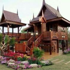 Most people dream to live in a bungalow or a high class condominium. But I prefer tolive in a traditional Thai house which is not so big and not so small. I posted the photo of traditional Thai hou… Bungalow Style House, Bungalow Haus Design, Bungalow House Plans, Modern Bungalow, Bungalow Homes, Thai House, Asian House, Beautiful Architecture, Architecture Design