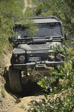 Land Rover Defender 110 Td5 Extreme adventure racing.
