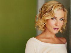 christina-applegate breast cancer survivor