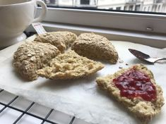 Krispie Treats, Rice Krispies, Winter Holidays, Scones, Nom Nom, Recipies, Food And Drink, Low Carb, Gluten Free