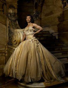 Angela Bassett photographed by Fabrizio Ferri. Beautiful Black Women, Beautiful People, Beautiful Pictures, Black Girl Magic, Black Girls, Vintage Black Glamour, Vintage Glam, Angela Bassett, The Jacksons
