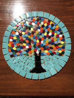 Mosaic table top with nice mix of irregular and square shaped pieces. Mosaic Garden Art, Mosaic Pots, Mosaic Wall Art, Mosaic Diy, Mosaic Crafts, Mosaic Projects, Tile Art, Mosaic Glass, Mosaic Tiles