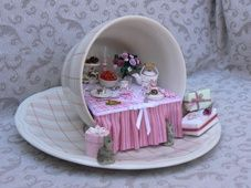 A tea party in a tea cup - cute. Crafts To Make, Fun Crafts, Cup And Saucer Crafts, Floating Tea Cup, Teacup Crafts, Mini Doll House, Cup Art, Altered Bottles, Fairy Doors