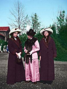 Bringing black and white pictures to life Korea Dress, Romanov Sisters, Grand Duchess Olga, Black And White Pictures, Cowboy Hats, Bring It On, History, Prussia, Irene