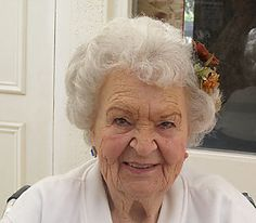 beautiful elderly people | REDONDOWRITER'S SACRED ORDINARY: Helen: Beautiful Old Age at 98