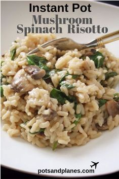 the easiest and best way to make risotto in the Instant Pot! the easiest and best way to make risotto in the Instant Pot! Instant Pot Pressure Cooker, Pressure Cooker Recipes, Risotto Pressure Cooker, Pressure Cooking, Vegetarian Recipes, Cooking Recipes, Healthy Recipes, Kabob Recipes, Arrows