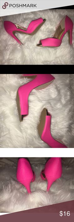 *NWOT*Pink high heels Open toe pink high heel shoes. Never worn but no tags Shoes Heels