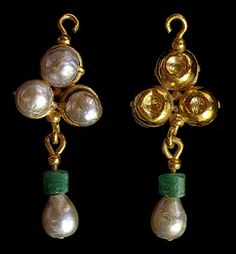 -- Gold, Pearl Emerald Earring -- Excavated in the destruction layer of 838 CE in the Lower City Enclosure during the 2005 season. Via The Heilbrunn Timeline of Art History at The Metropolitan Museum of Art Byzantine Gold, Byzantine Jewelry, Renaissance Jewelry, Medieval Jewelry, Ancient Jewelry, Roman Jewelry, Old Jewelry, Jewelry Art, Antique Jewelry