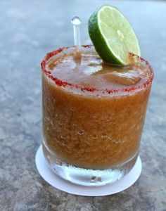 Take a look at these 22 delicious recipes for the best margarita cocktails to celebrate National Margarita Day! Cocktail Drinks, Cocktail Recipes, Drink Recipes, Cocktails 2018, Party Drinks, Healthy Recipes, Yummy Drinks, Yummy Food, Taquero