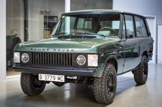 Deze Range Rover Classic wordt in Spanje te koop aangeboden via Classic Driver en is een verhaal apart. Het betreft namelijk een 1979 model die onlangs... Land Rover For Sale, Land Rover Car, Land Rovers, Land Rover Defender, Range Rover Classic, Carros Suv, Garage Workshop Plans, Jeep Sport, Range Rover Supercharged