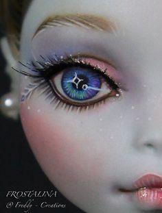 OOAK Xmas Monster High Repaint Frostalina Full Dress Set by Freddy Tan | eBay