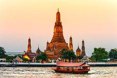 Unternehmt in Bangkok eine Bootstour am Chao Phraya