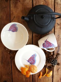 Catchii, butterfly, tangerine, wood, table